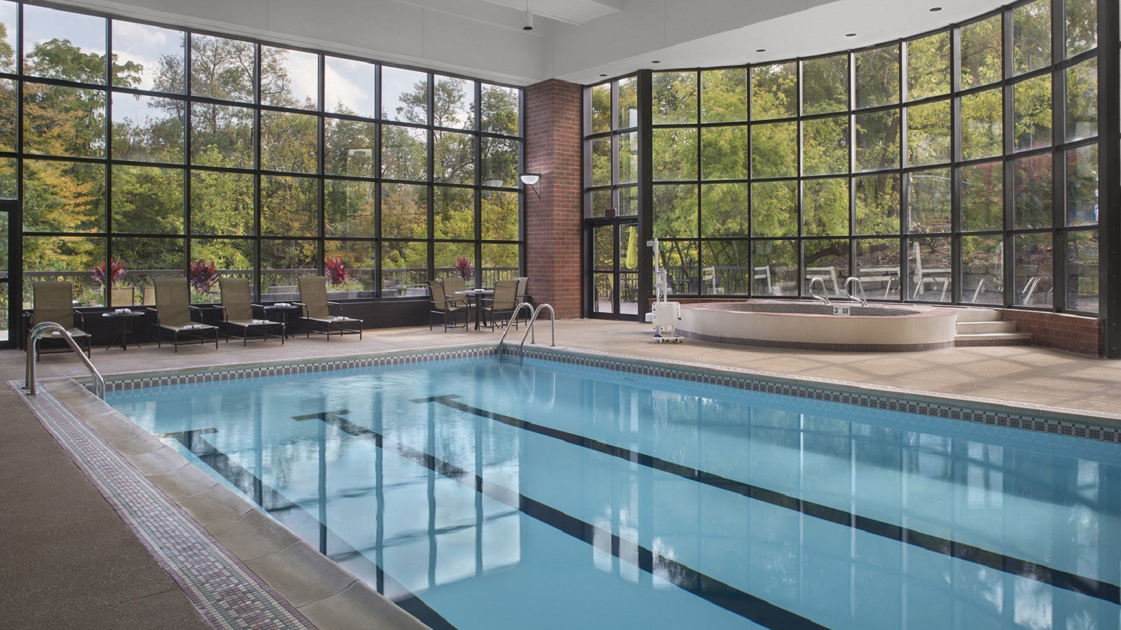 Akron Hotel Features - Pool